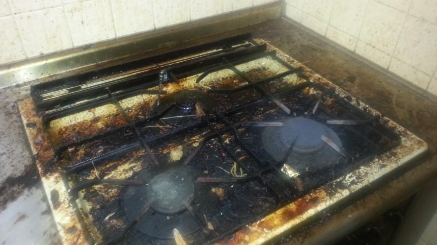 キッチンのコンロ掃除前