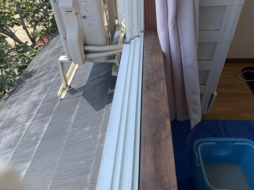 窓レール掃除後