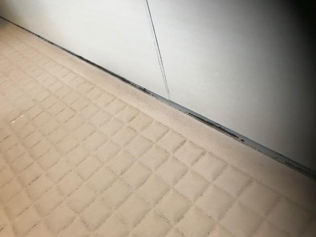 福岡市城南区別府浴室クリーニングyコーキング黒カビ作業前