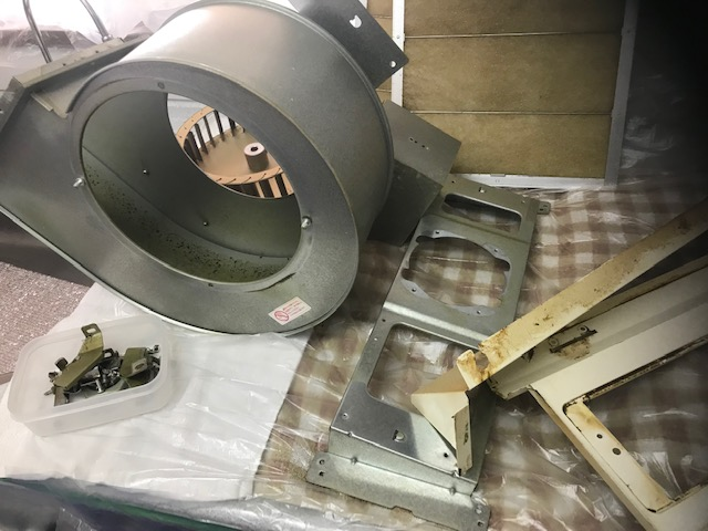 福岡市早良区次郎丸タカラスタンダード製キッチンクリーニング。油汚れお掃除前