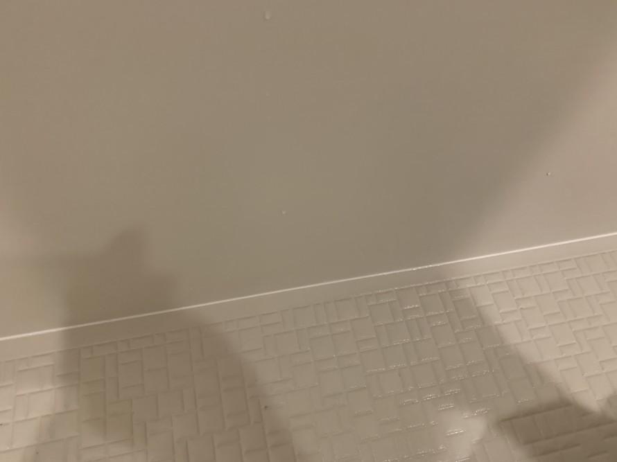 バスルームコーキングカビ掃除後