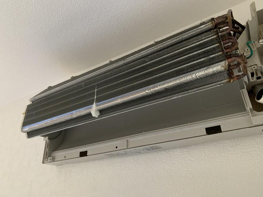 タバコ臭いエアコン熱交換器掃除後