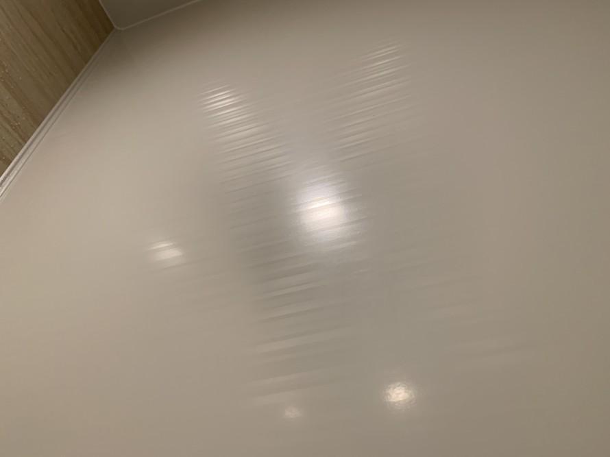 バスルームの横の壁掃除後