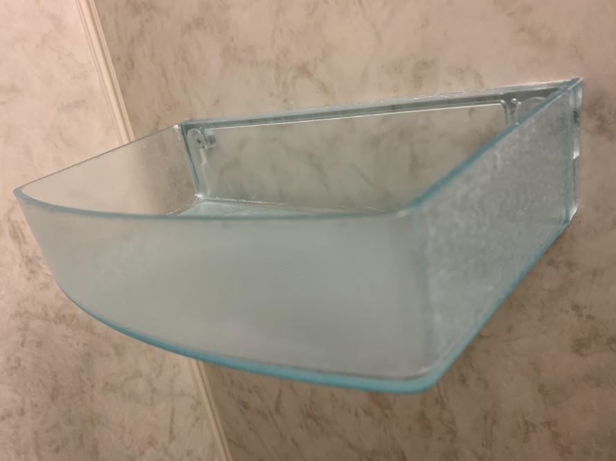 お風呂の小物入れの水垢汚れ掃除前