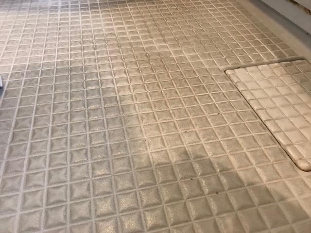 お風呂床掃除前